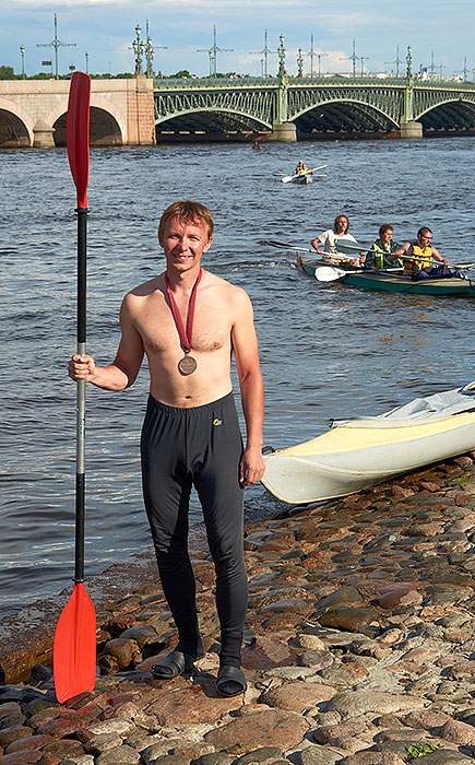 Peter rowing race